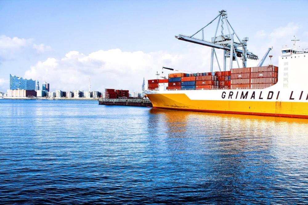 Ile waży pusty kontener morski?